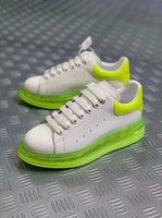 фирменные названия квартир оптовых-2019 Новый светоотражающий дизайнер название бренда мужчина женщина обувь квартиры мода обнаженная кожа зашнуровать высота увеличение Повседневная обувь xy02