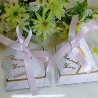 bomboniere liefert großhandel-100 stücke Dreieckige Pyramide Rosa Goldene Marmor Pralinenschachtel Hochzeit Gefälligkeiten baby shower Birthday Party Supplies Bomboniere dank Geschenkbox