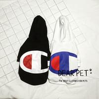 vip köpek giysileri toptan satış-Pet köpek giyim Kazak yaka Güney Kore gelgit pet KÖPEK kıyafetleri şampiyon kapüşonlu kazak schnauzer VIP daha bir ayı kavga yasası