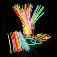renkli bilezik flaş toptan satış-20 cm Glow Sopa Bilezik Kolye Çok Renkli Parti Işık Sopa Değnek Yenilik Oyuncak parti sahne dekor Konser renkli Flaş FFA2075 sahne