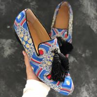 büyük renkli elbiseler toptan satış-Erkekler için renkli nakış püskül fringe loafer'lar düz ayakkabı büyük boy euro 38-46 erkekler gelinlik ayakkabı