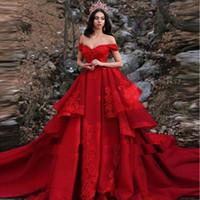 schicht sexy kleid großhandel-2019 Rote Schichten Tiered Lace Applique Eine Linie Plus Size Brautkleider aus der Schulter arabisch sexy Kapelle Zug Braut Brautkleider BC0730