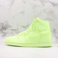 atacadores de sapatos de basquete fluorescente venda por atacado-Novos tênis de basquete 1 1 s hight premium fluorescente verde limão amarelo homens mulheres fashion trainer tênis sneakers sapatos de grife ao ar livre