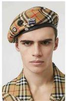 eski rozetler toptan satış-Rozet Solider Ordu Şapka Erkek Kadın Yün Vintage Bereliler Beanies Klasik vaka tahıl Female Kış Sıcak Hat Cosplay Caps Şapka