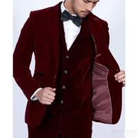 terzi elbiseli kravat toptan satış-2019 Bordo Kadife Erkek Takım Elbise Slim Fit 3 Parça Blazer Tailor Made Şarap Kırmızı Damat Balo Parti Smokin (Ceket Pantolon Yelek Kravat)