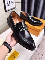italya erkek ayakkabıları toptan satış-2019 Yeni İtalya Yüksek Kalite Erkekler elbise Üst Ayakkabı Hakiki Deri Kahverengi Siyah ve beyaz erkek Boyutu