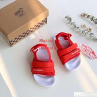 bebek kırmızı sandalet toptan satış-Moda çocuk erkek çocuk yaz deisgner için terlik terlik ayakkabı kırmızı bebek yalınayak sandal kutusu ile göndermek
