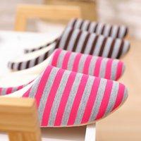 pantoufles de plancher intérieur achat en gros de-Pantoufles rayées en bas à la maison en coton chaud chaussures femmes pantoufles de plancher intérieures antidérapantes chaussures pour chambre Chambre