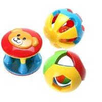 lustige baby-rasseln großhandel-Kleinkindspielzeug Baby Rasseln Handys 3 teile / satz Baby Rassel Spielzeug Kinder Lustig Laut Gym Jingle Ball Rasseln Glocke Krabbeln Bälle Kind Entwickeln