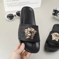 kaliteli kadın yazlık sandaletler toptan satış-2019 Avrupa Marka üst sınıf Moda sandalet nedensel severler yaz huaraches terlik çevirme kadın erkek terlik EN IYI KALITE 01