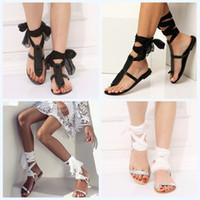 ingrosso scarpe di seta nere-Silk Ribbon Sandals Overlapping Bandage Shoes Toe Clamping fondo piatto Big Code Antiusura in bianco e nero 29slb f1