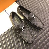 ervilhas venda por atacado-Top luxo 2019 novos mens designer vestido sapatos de couro genuíno de metal snap ervilhas sapatos de casamento sapatos de moda clássica dos homens grandes mocassins de tamanho