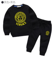 trajes más vendidos al por mayor-2019 boy Kids Sets Kids Baby vende mejor nuevo otoño boy camisa suéter hoodle chaqueta boy deportes traje con capucha 3 tamaños de color
