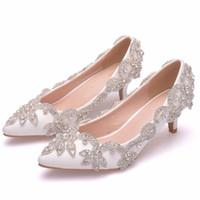 beyaz kedi yavrusu düğün ayakkabıları topuklar toptan satış-Sivri Burun beyaz renk Düğün Ayakkabı 5 cm rahat yavru topuk topuk gelin elbise ayakkabı muhteşem gelinlik ayakkabı dacing parti pompaları