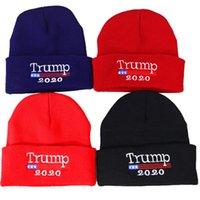 drapeaux de broderie gratuits achat en gros de-Adulte Tricoté Trump Caps 4 Couleurs Broderie USA Drapeau Hiver Campagne Présidentielle Décontractée Casquette Livraison Gratuite