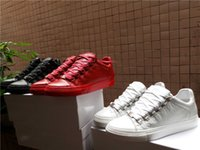 bb kırmızılar toptan satış-Tasarımcılar BB Runaway Arena Düşük Üst Sneakers Ayakkabı Kırmızı, Siyah, Beyaz Kırışıklık Deri Rahat Yürüyüş Flats Ayakkabı Tasarımcısı 36-46