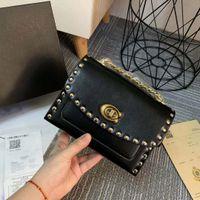 кошельки наплечные ремни оптовых-2019 новая мода дамы кожаная сумка заклепки плечевой ремень седло сумка бренд дизайнер сумка Сумка кошелек