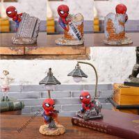 luzes da mesa do casamento venda por atacado-Spiderman Night Lights Boneca Brinquedos Vingadores Levou Luz Da Noite de Resina Artesanato Kid's Home Mesa Candeeiros de Mesa Presentes de Aniversário de Aniversário de Natal