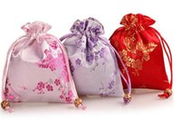 Wholesale flower pouches weddings resale online - 100pcs Plum Blossom Flower Design Satin Brocade Gift Candy Bags Wedding Party Favor Pouch Drawstring Jewelry Bags
