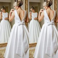 vestidos de novia vintage con espalda abierta y abalorios al por mayor-Vintage A Line Scoop Neck Open Back White abalorios Vestidos de novia largos con lazo a medida robe de mariée