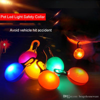 köpek yaka güvenlik etiketleri açtı toptan satış-Çoklu Renkler kolye Pet Glow Emniyet Etiket Noel kolye BH0192 Malzemeleri Köpek Pet kolye Renkli Işık Yanıp sönen ışık Yaka LED