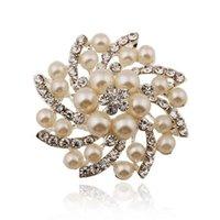 ingrosso modelli perla spilla-Modelli di esplosione europei e americani Perla strass Full Diamond Round Brooch Brooch High-end Accessori di abbigliamento Gioielli