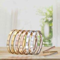 anel de coral de 18k venda por atacado-Família do cartão de cinco geração de aço de titânio chave de fenda anel eterno amor casal pulseira de ouro rosa 18K palavra padrão