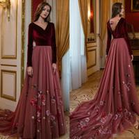 Wholesale vestidos de fiesta online - Vintage Burgundy Velvet Prom Dresses V Neck Floral Appliqued Long Sleeves Evening Gowns Vestidos De Fiesta Sweep Train Formal Dress