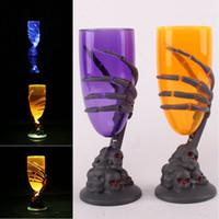 vasos de cerveza llevados al por mayor-LED Ghost Claw Cup Copas de vino luminosas Halloween Ghost Plastic 3D Ghost Claw Tazas Iluminación Champagne Vino Cerveza Jarra