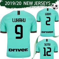 uniformes futebol milão venda por atacado-Tamanho S-4XL Inter la camisa de futebol 2019/20 # 9 LUKAKU # 10 LAUTARO # 37 SKRINIAR # 44 PERISIC Camisa de Futebol 2020 Milan Uniformes de Futebol