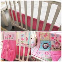 pembe kız yatakları toptan satış-Kızlar Bebek Yatağı Yatak setleri saf Pembe renk Nakış 4 adet bir kiti Çocuk etek yatak takım elbise bahar 221dhE1