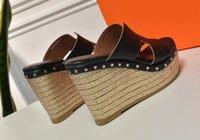 sandales à fond épais marron achat en gros de-pantoufles marron Sale rouge chaud noir couleur pour dames mode luxe fond épais paille tresser sandales slipsole en cuir véritable 109