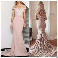 vestidos de damas de honor en línea al por mayor-2019 Off Shoulder Slim Mermaid Bridesmaids Vestidos Apliques de encaje Tallas grandes Vestidos de dama de honor formales En línea Vestidos personalizados para damas de honor