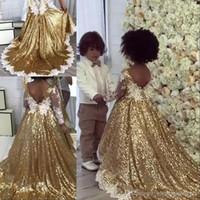 festa de jardim vestido de apliques de flores venda por atacado-Lantejoulas de ouro Uma Linha Vestidos para Meninas das Flores Decote em V Mangas Compridas Apliques de Renda Sash Bow A Linha Aniversário Vestidos para Meninas '