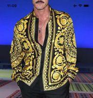 t-shirts groß großhandel-Paris Herbst-Sommer-Star mit einer lässigen Modenschau Größe Seide Spitze Herrenhemd, Europa und den Vereinigten Staaten großes Modell klassischen Streifen