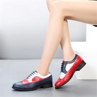 красная белая голубая корова оптовых-100% натуральная кожа коровы броги повседневная дизайнерская винтажная женская обувь на плоской подошве ручной работы оксфордская обувь женская красная сине-белая с мехом