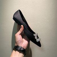 ayakkabı oyulmuş topuklu ayakkabı toptan satış-Sıcak Satış-Zarif Oyma Topuklu Kadın Pompaları Katı Ipek Sivri Burun Sığ Moda Yüksek Topuklu 1.5 cm / 6.5 cm Ayakkabı Kadınlar Rhinestone Düğün Ayakkabı