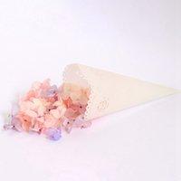 geschenk taschen band großhandel-50 STÜCKE Papierkegel Bouquet Blume Verpackung Süßigkeiten Taschen Boxen Chirstmas Hochzeit Geschenke Verpackung Label Aufkleber Band Heißer Verkauf