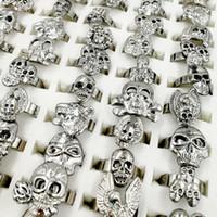 anillos de plata surtidos al por mayor-Lotes Mixtos 30 unids / lote Gothic Punk Assorted Skull ring Estilo Vintage Joyería de Plata Anillos Ajustables Tamaño pequeño regalo de los niños