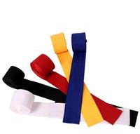 artes de proteção de boxe venda por atacado-Elástico puro Algodão Boxe mão envoltório cinta 2.5 m Luvas de Boxe mão Bandage Engrenagem Protetora venda quente