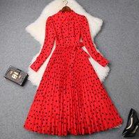 ingrosso lungo vestito chiffon rosso dal progettista-Spring Designer Designer Dress 2019 Donne Elegante Streetwear a maniche lunghe Cuore rosso stampato in chiffon Midi Dress con cintura