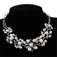 collar llamativo plata blanca al por mayor-Collar de diamantes blancos de la perla para las mujeres Declaración de plata del cristal plateado del encanto del oro de la hoja del encanto del collar del Rhinestone de regalo de Navidad Collares
