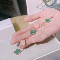 reines silbernes charmearmband großhandel-S925 reinem Silber Markennamen Armband Fünf Blumen mit Natur grünen Malchit und Diamanten Colver für Frauen Hochzeit Schmuck Geschenk PS6289A