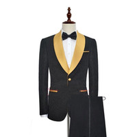 traje de noche de la tarde al por mayor-Traje de fiesta de boda por la noche (Blazer + Pantalones) Hecho a medida Negro con oro solapa de un botón Un botón Moda Hombres Tuxedos para el baile de fin de curso