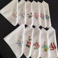 senhoras lenço floral venda por atacado-30x30 cm Do Vintage Das Senhoras Das Mulheres Lenço De Algodão Branco Quadrado de Bolso Bordado Floral Flores Hankies Wedding Hanky Presente