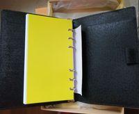 ingrosso borsa piccola passaporto-Piccola tasca per notepad con portapacchi per notebook porta passaporto portadocumenti per notebook 19 * 14cm Black EPI in pelle di mucca ondulata