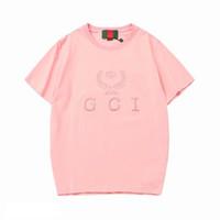 gündelik erkekler giyim tarzı toptan satış-2019 Yeni Tasarımcı Erkek Kadın Tee Gömlek Yaz Lüks T-shirt Erkek Giyim Mektup Baskı Moda Rahat Tarzı Marka Gömlek Tee İtalya