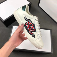 Wholesale medium brand sneakers for sale - Group buy 2019 Men Women Casual Shoes Fashion Luxury Brands Designer Sneakers Lace up Running Shoes Green Red Stripe Black Leather Bee Embroidered