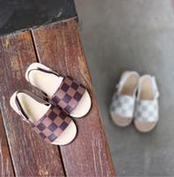 kore slip ayakkabıları toptan satış-2019 yaz yeni çocuk sandalet çocuğun Kore versiyonu rahat sandalet kız plaj kaymaz yumuşak alt bebek ayakkabı
