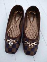 topuklu ayakkabılar toptan satış-Tasarımcı ayakkabı kadınlar marka m Sonbahar Rahat kadın Lüks ayakkabı düz topuklu Moda Yay glittler ayakkabı Yuvarlak Ayak Softk tabanı kadınlar 29 Renk